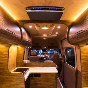 Виртуальный тур по автодому класса люкс с интерактивными элементами